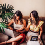 Foto Fernanda e Letícia da empresa Saideiras Moda e Decor